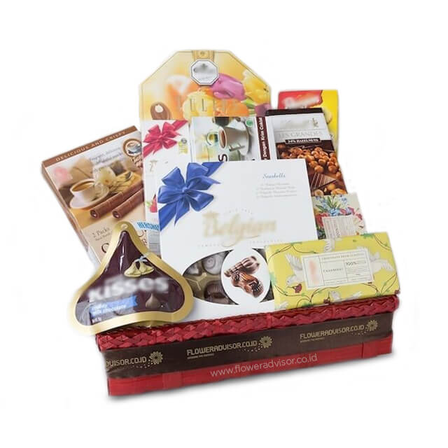 Chocolates in a basket - Gourmet Hampers
